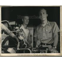 1967 Press Photo Wesley Goodman & Joe Mumfrey- Delgado College Aeronautics