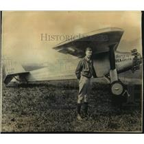 1974 Press Photo Charles Lindbergh with plane in which he made first solo trip