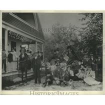 1895 Press Photo picnic gathering in Donges grove, The man is Jacob F. Donges.