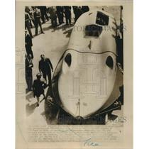 """1947 Press Photo Sir Malcolm Campbell's Jet Propelled """"Bluebird"""" Sets Record"""