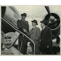 1953 Press Photo First United Air Lines' Mainliner Convair Flight, Milwaukee