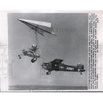 1962 Press Photo Milton Thompson tests the paraglider at Edwards Air Force Base