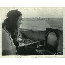 1972 Press Photo Susan Mestert, Air Traffic Controller - tua10828