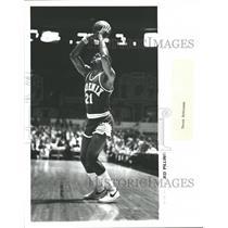 Press Photo Leonard Eugene Robinson Phoenix Suns NBA - RRQ52969