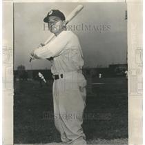 1948 Press Photo Joe Bestudik Outfielder Rainiers - RRQ57095