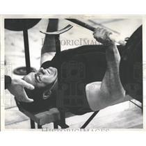 1969 Press Photo Chuck Kutzer Weight Lifting - RRQ32607