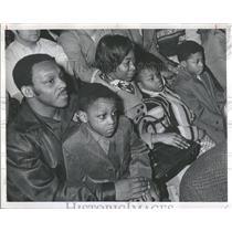 1970 Press Photo Eddie Perkins Fighting Heavyweight Cha - RRQ12977