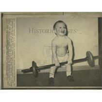 1973 Press Photo Frederick Bennett II Weight Lifting - RRQ31661