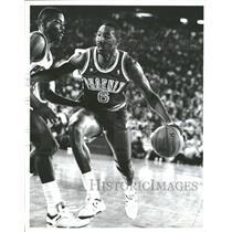 1988 Press Photo Walter Davis Dribbling Phoenix Suns - RRQ11099