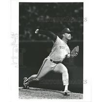 1990 Press Photo Jim Acker Pitcher Toronto Blue Jays - RRQ71683