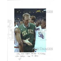 1992 Press Photo Larry Bird shakes hand with Cavs - RRQ30949