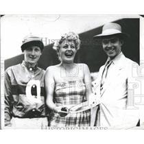 1950 Press Photo Actress Winters Suffolk Downs Jockey - RRQ64401