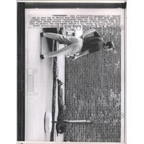 1968 Press Photo Prison Escapee Injured - RRX90817