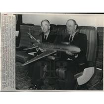 1968 Press Photo George A. Spater, James S. McDonnell, model new DC10 airplane