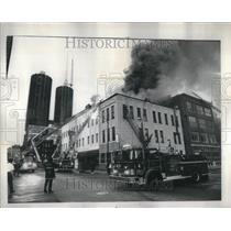 1975 Press Photo Chicago Fire At Colonial Hotel - RRU88769