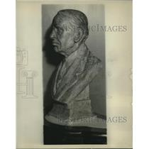 1929 Press Photo Bronze bust of Melville E. Stone in New York City - mjc05665