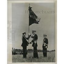 1939 Press Photo King Gustav of Sweden presented Standards of Swedish Air Force