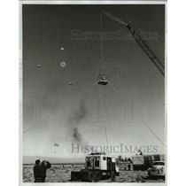 1963 Press Photo A cameraman man covers the First Las Vegas Meet of parachutists