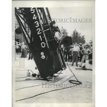 1946 Press Photo Richard McGowan tests seat ejection unit at Naval Air Center