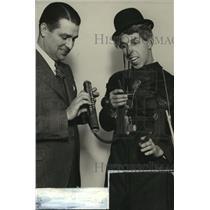 1932 Press Photo Jimmy Garrigan and Dippy Johnson on WTMJ Radio show.