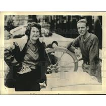 1937 Press Photo Capt Bailey Sawyer & his wife prepare for sailing to Melbourne