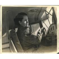 Press Photo Miss Mary Maurice Heater at controls of a plane - sba30027
