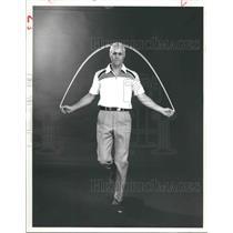 1979 Press Photo J. R. Jones demonstrates jump rope exercise - hca24042