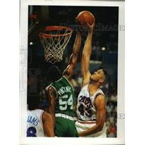 1992 Press Photo Boston Celtics - Ed Pinckney in Game with Cavaliers - mjt00373