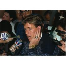 1994 Press Photo Dallas Cowboys - Troy Aikman, Quarterback, in Interview