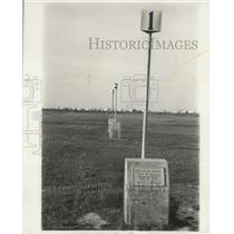 1934 Press Photo These markers indicate ends of flights for the wright brothers