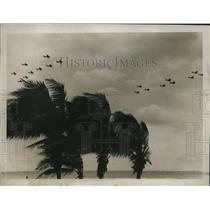 1965 Press Photo An aerial tactics of planes seen over the Miami Beach area