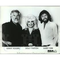 1983 Press Photo Recording artists Kenny Rogers, Dolly Parton & Barry Gibb