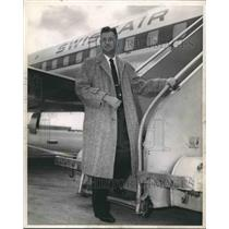 1958 Press Photo Frederick W. Nichols leaves for Israel on Airplane - abno07178