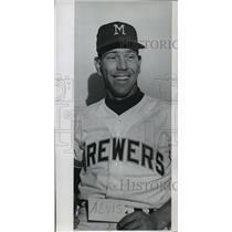 1961 Press Photo Milwaukee Brewers - Max Alvis, Baseball Player - mjt01265