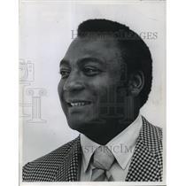 1970 Press Photo Packers' Lionel Aldridge, new College Athletic Supply Co. EVP