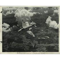 1951 Press Photo Royal Air Force Hawker P-1067 fighter-interceptor - lrx01195