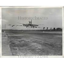 1943 Press Photo Student Pilots train to land in Basic School Gunter Field