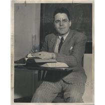 1948 Press Photo America's Pilot, Howard Markey, Studies at Loyola University