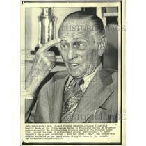 1972 Press Photo Pilot Dick Merrill interviewed in Washington, D.C. - mjx55564