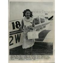 "1965 Press Photo Miss June R. Douglas, winner of ""Angel Derby"" Women's Air Race"