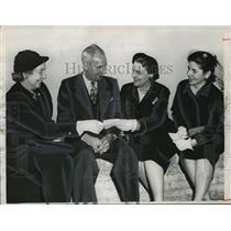 1952 Press Photo Festival of Arts Organizers - abno09264