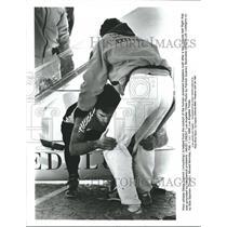 1988 Press Photo Human Powered Flight pilot Glenn Tremmi leaves plane
