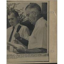 1963 Press Photo Tuskegee, Alabama School Superintendent Reads Statement