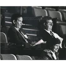 1981 Press Photo Emile Francis, St. Louis Blues hockey's president, watches game