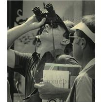1984 Press Photo man watches planes in the Experimental Aviation Air Show, WI