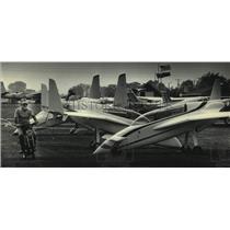 1985 Press Photo Everett Weekley at Experimental Aircraft Association Fly-In