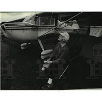 1994 Press Photo Gilbert Bineau at the Experimental Aircraft Association Fly-In