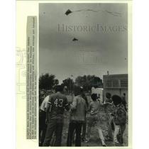 1983 Press Photo Susie Siegel-Kite Flying Day at Stella Worley Elementary School