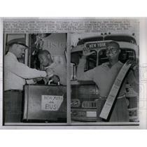 1962 Press Photo Freedom Bus North Riders Disembark - RRX15863