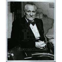 1981 Press Photo Eric Sevareid CBS news journalist war - RRU61919